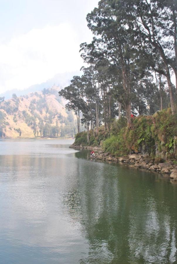 pendakian gunung rinjani dan danau segara anak